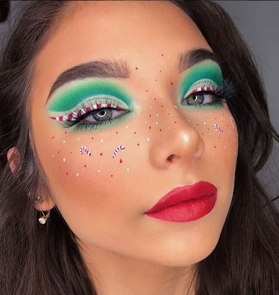 We love how cute this holiday look is without going over the top.