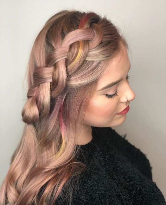 This beautiful rose gold braid was styled by @alex_guillemin using the Muted Metallics collection.