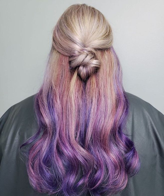 @eringardenrhodes is giving us major melt goals with this blonde to purple look.