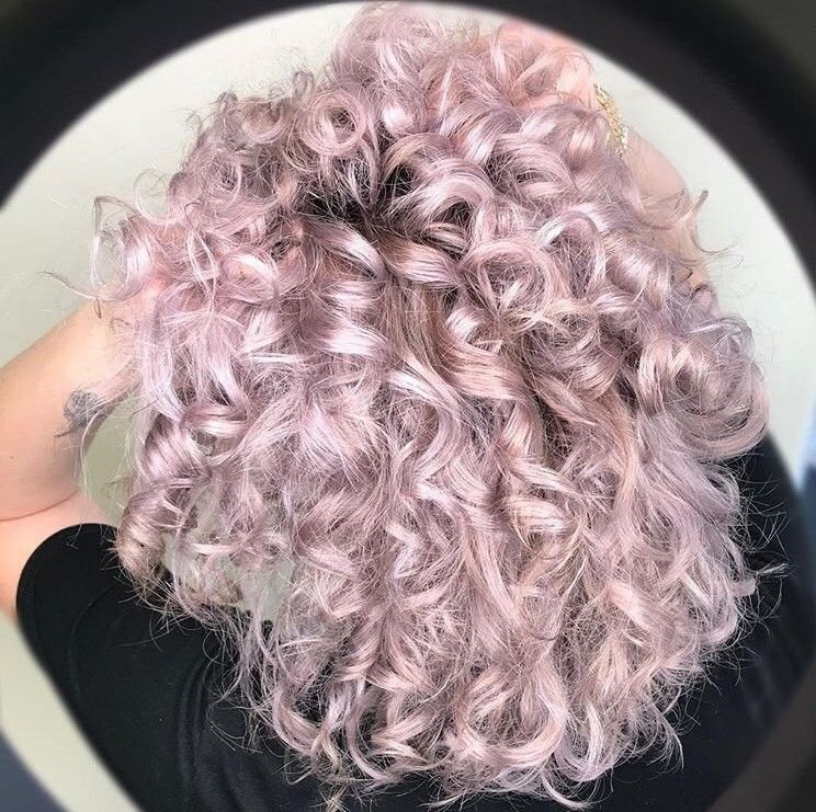 @lewishair365 used the Muted Metallics Lavender color for this fun and bouncy purple look.