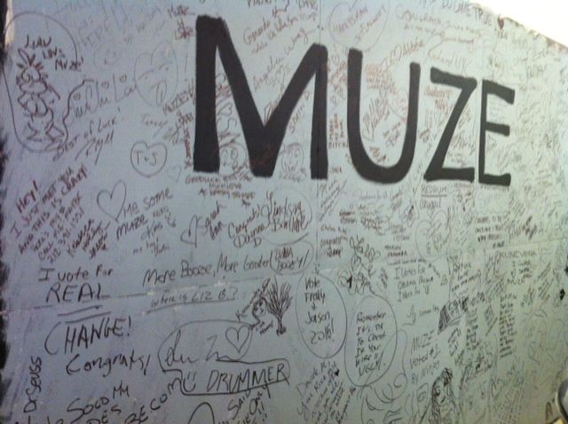 The temporary wall at MUZE