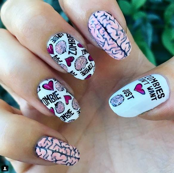 20 Spooky Halloween Nail Art Designs You Have to See!
