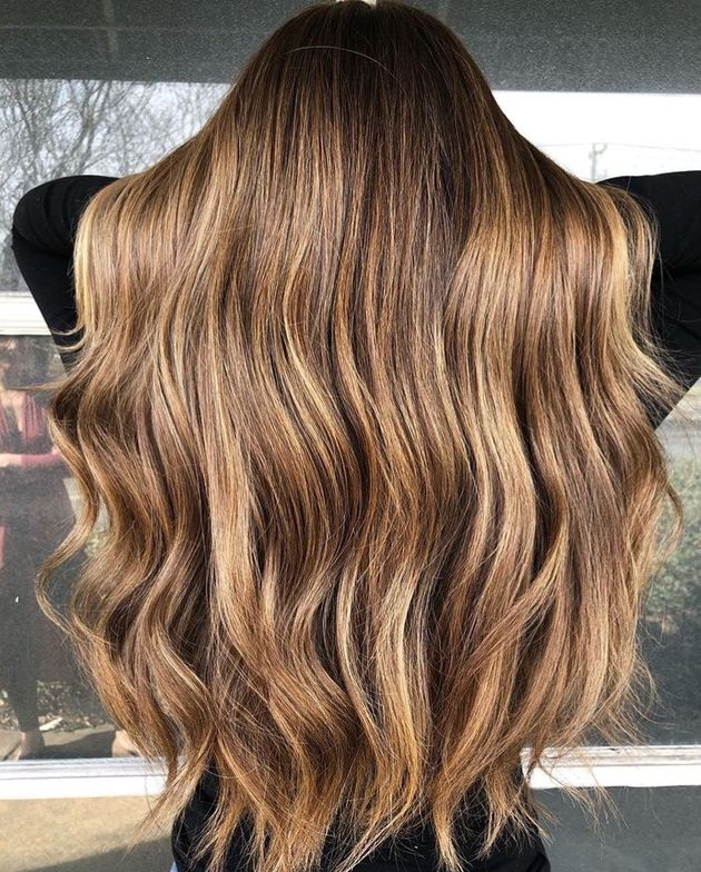 These golden honey locks are stunning!
