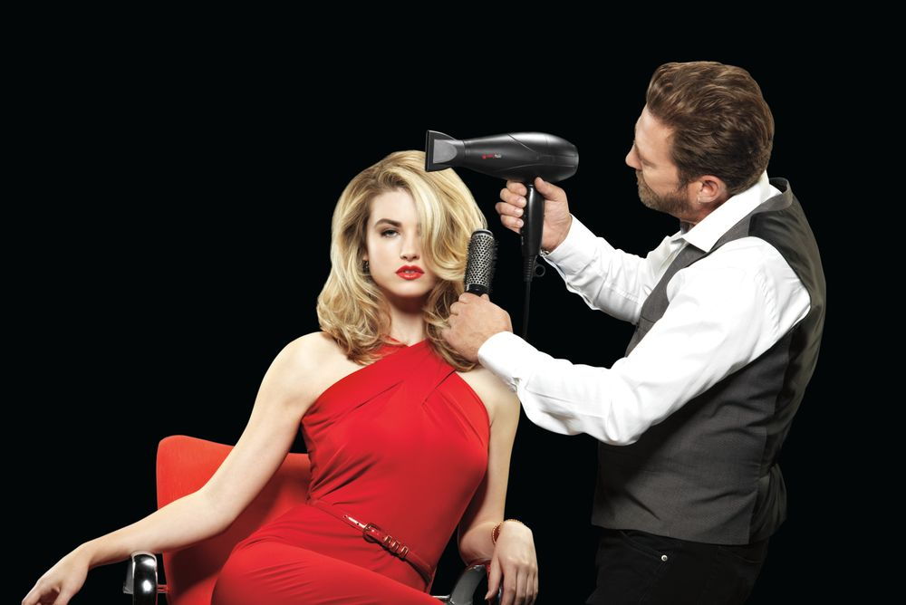 <p>Sexy Hair Artistic Director Rafe Hardy says it's all in the technique and the products you use.</p>