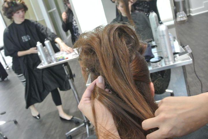 HALLOWEEN HOW-TO: Headbanging Rocker-Inspired Hair
