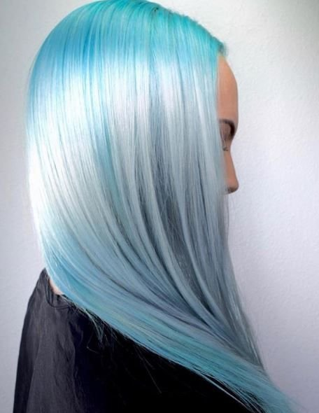 All the heart eyes for this stunning blue melt.