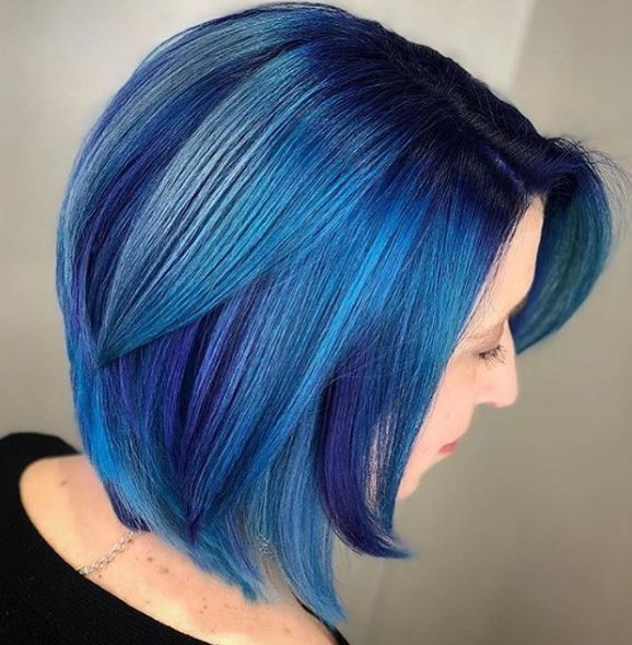 Can we all just take a moment to enjoy this amazing combination of blue tones?
