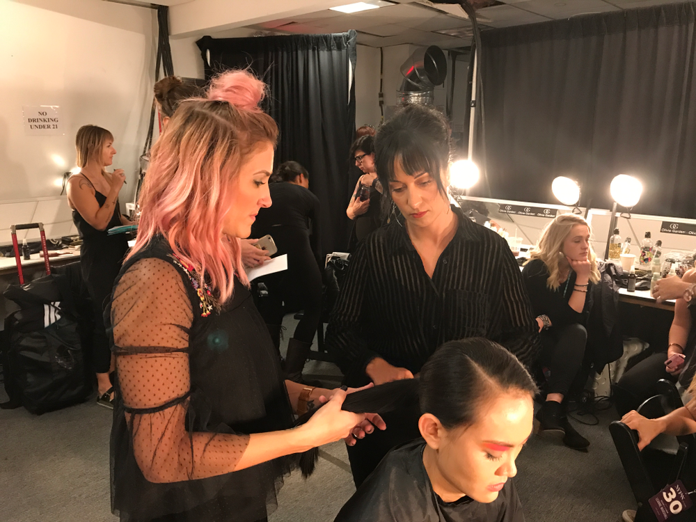 Sarah Shultz (brunette) with Andrea Krock behind the scenes for the Leanne Marshall collection, SS2018.
