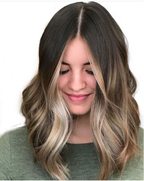 Another wonderful summer to fall transition look. And those face-framing highlights—can you believe?!