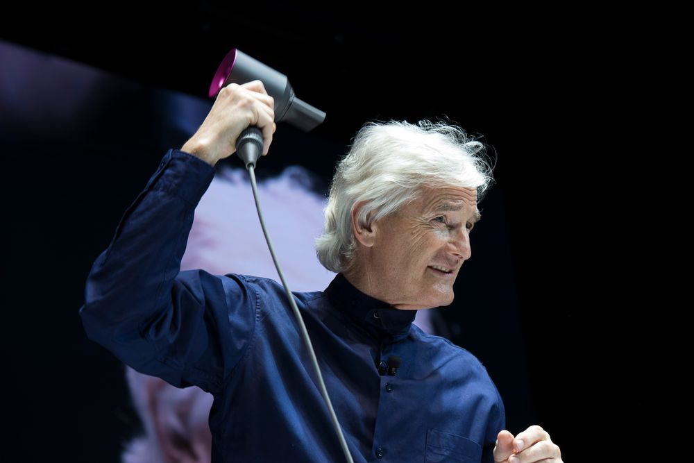 Sir James Dyson shows the Supersonic in action at the Tokyo launch event.