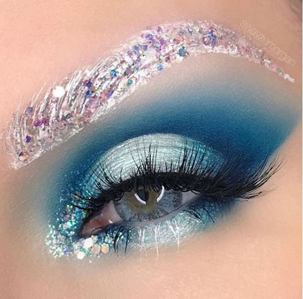 Let it snow! How chill is this eye look?