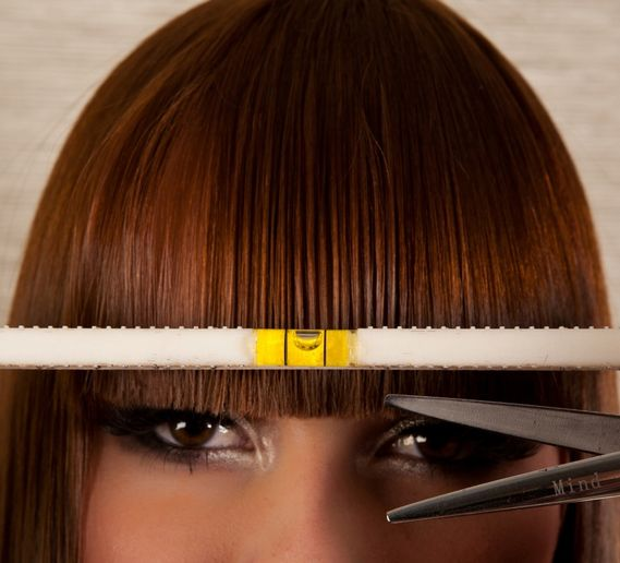 New Haircutting Tool, THE COMB, Features a Level for Precision
