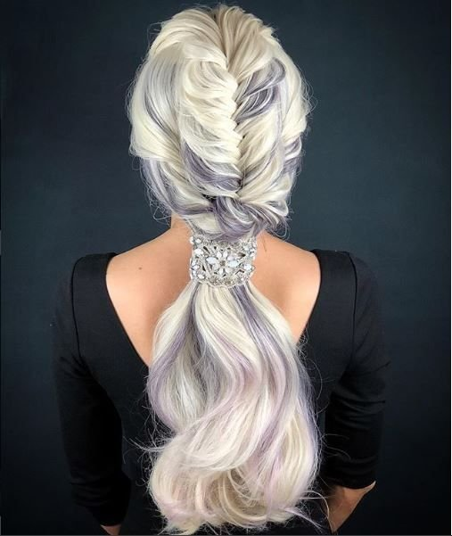 This beatiful braided style by @ufirami really brings out the gorgeous lilac color in the hair.
