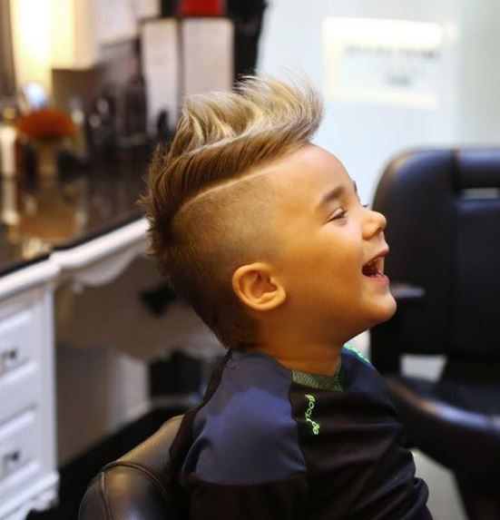 How cute is this? The swooping style from @waficsaab clearly made his client very happy. We bet he'll be rocking his new 'do at preschool with confidence.