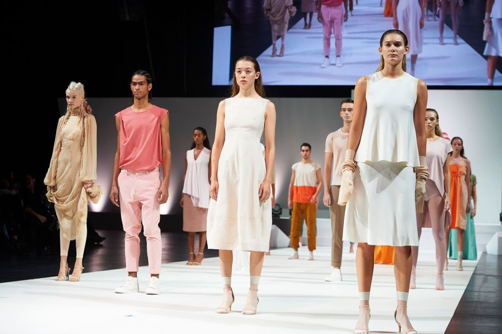 """<strong>SS18 enters a """"Brave New World"""" through the Nontouring Shift</strong>"""