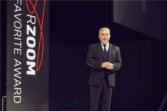 John Moroney, VP education and Global Creation Direction, introduces In-Flux, the 2017 Color Zoom collection.