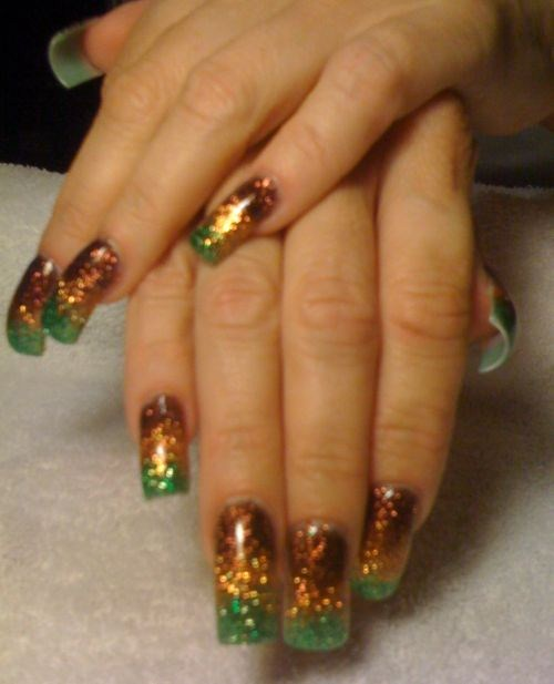 Prettyfulz Fall Nail Art Design 2011: Day 253: Fall Glitter Fade Nail Art