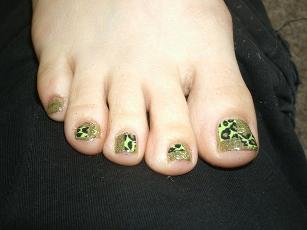 Uks hot nail art styles nails magazine one style that i believe you will be seeing more of is shellac rockstartwinkleglitter nails and toes with minx attitude minx is very popular in the uk prinsesfo Choice Image