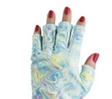 ManiGlovz' Manicure Gloves Protect Against UV Rays