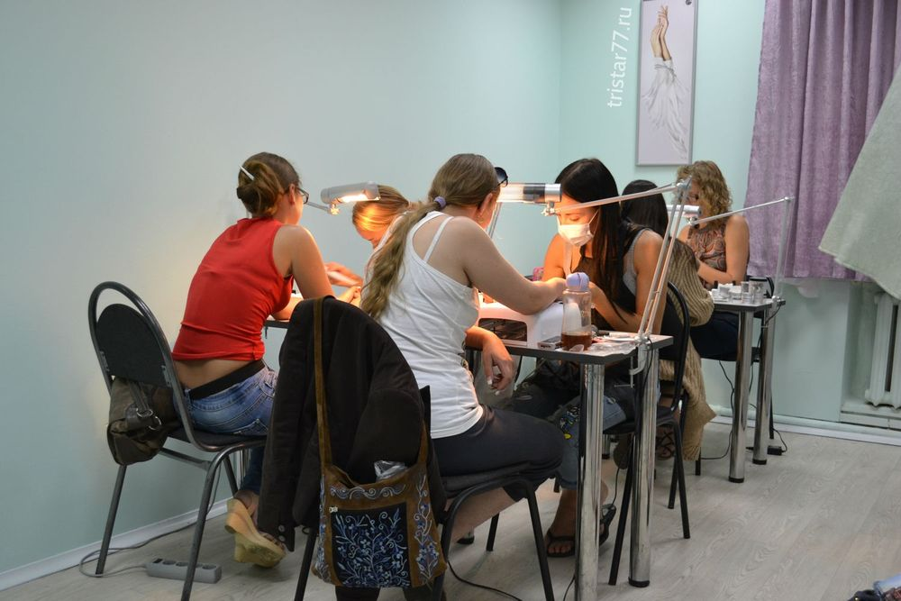 <p>To provide individual attention to aspiring nail techs, Nail Couture Moscow won&rsquo;t accept more than eight students in its beginner classes or six students in its sculpting classes.</p>