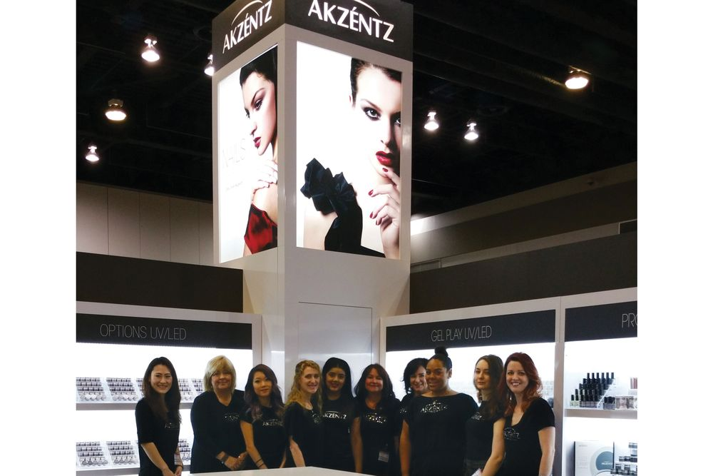 <p>The Akzéntz team works a tradeshow.</p>