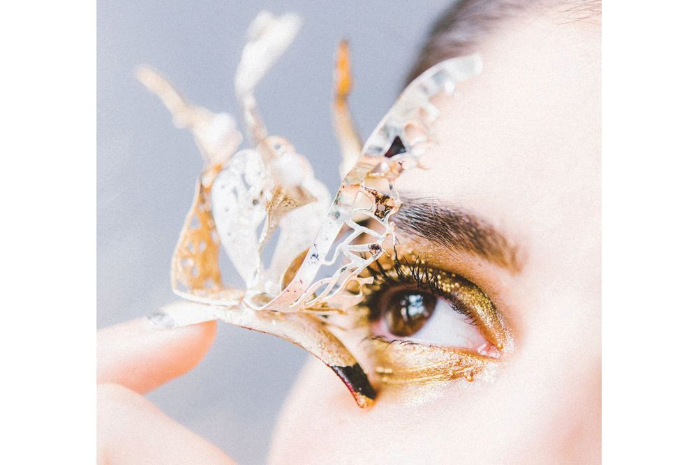 <p>Blanche Macdonald Nail Studio graduate Stefania Flex proves that, though conservative looks are most common in Canada, Canadian techs can also nail eye-catching 3-D looks.</p>