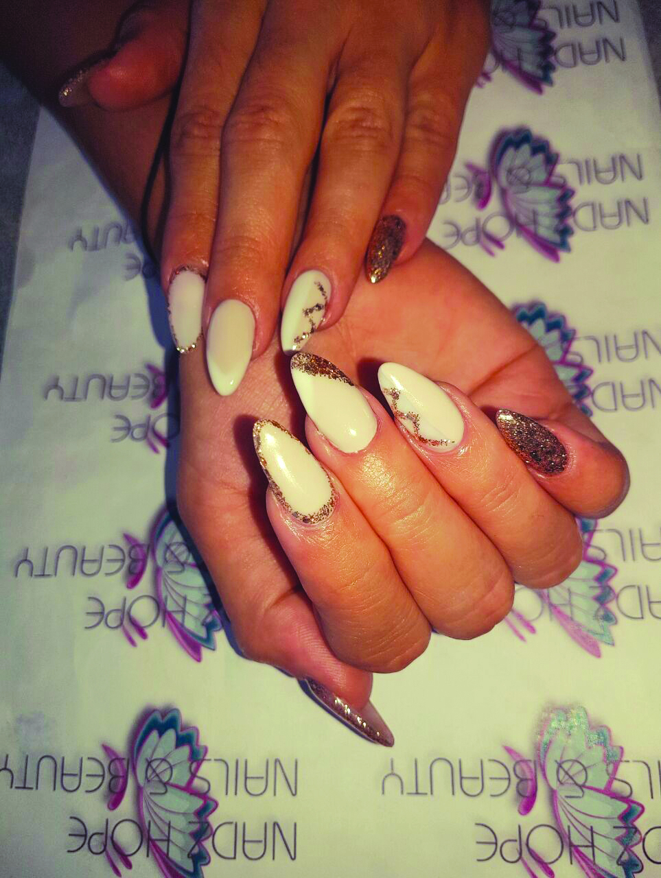 <p>A little bling is in style throughout South Africa. (Nails by Nadz Hope Nails, Cape Town)</p>
