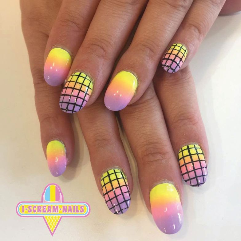 <p>I Scream Nails only services hands, not feet.</p>