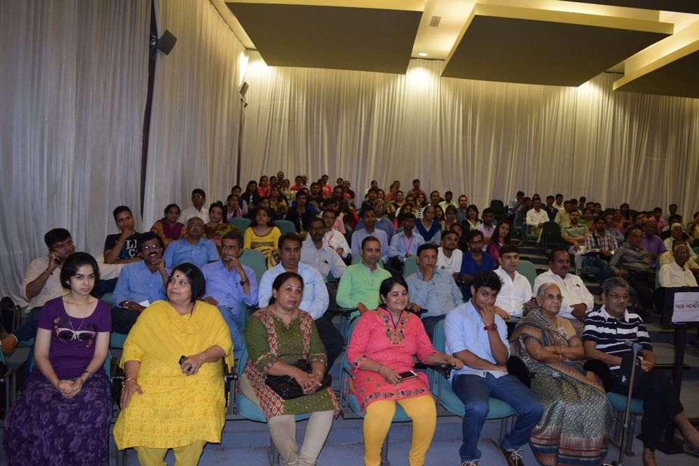<p>Attendees await an event hosted by All India Hair &amp; Beauty Association.</p>
