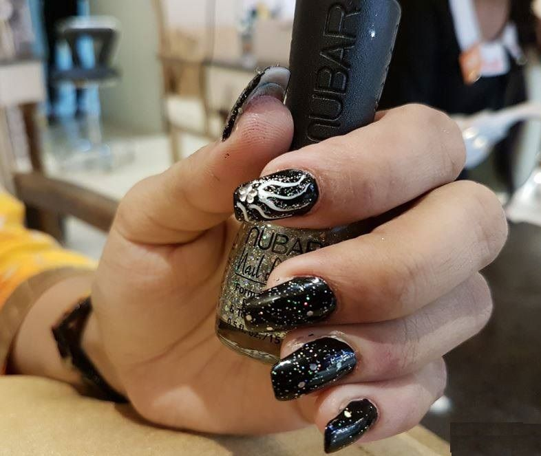 <p>These black-and-white nails are by Hiral Zaveri, a graduate of Nail Lounge Academy.</p>