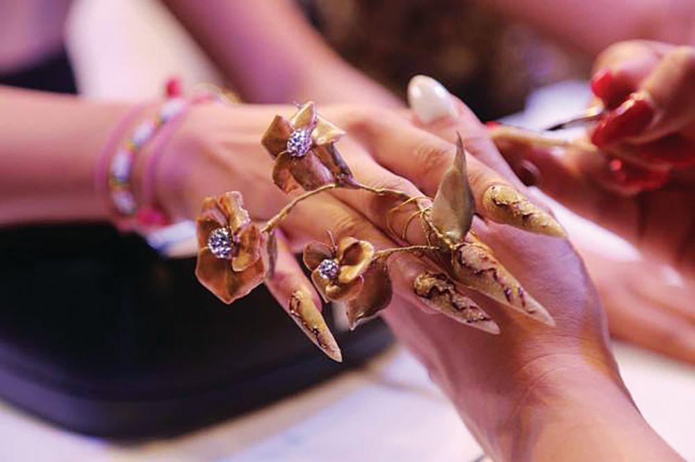 <p>This fantasy nail art design was created at Professional Beauty Mumbai.</p>