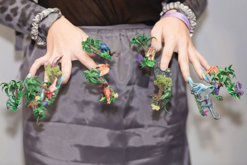 <p>This fantastical 3-D design was created at Nailympia London.</p>