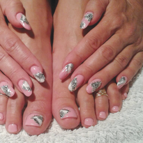 Unlike many nail-focused salons in Germany that only offer services on hands, Nagelatelier...