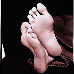 What's the Diagnosis: Dry Skin or Athlete's Foot?