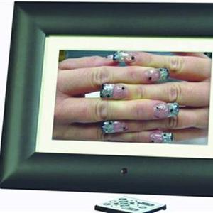 Showcasing Nail Art in Digital Frames