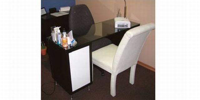 diy manicure table style nails magazine. Black Bedroom Furniture Sets. Home Design Ideas