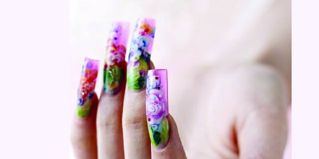 Charisma Nail Innovation's Floral Acrylic Design