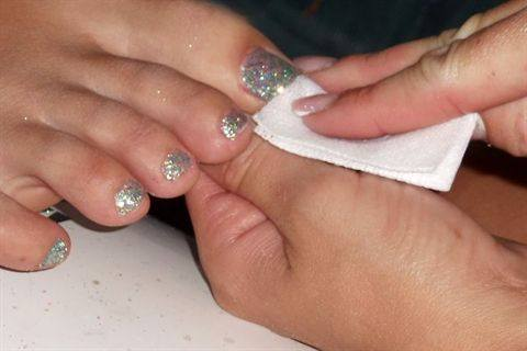 Young Nails Glitter Toes
