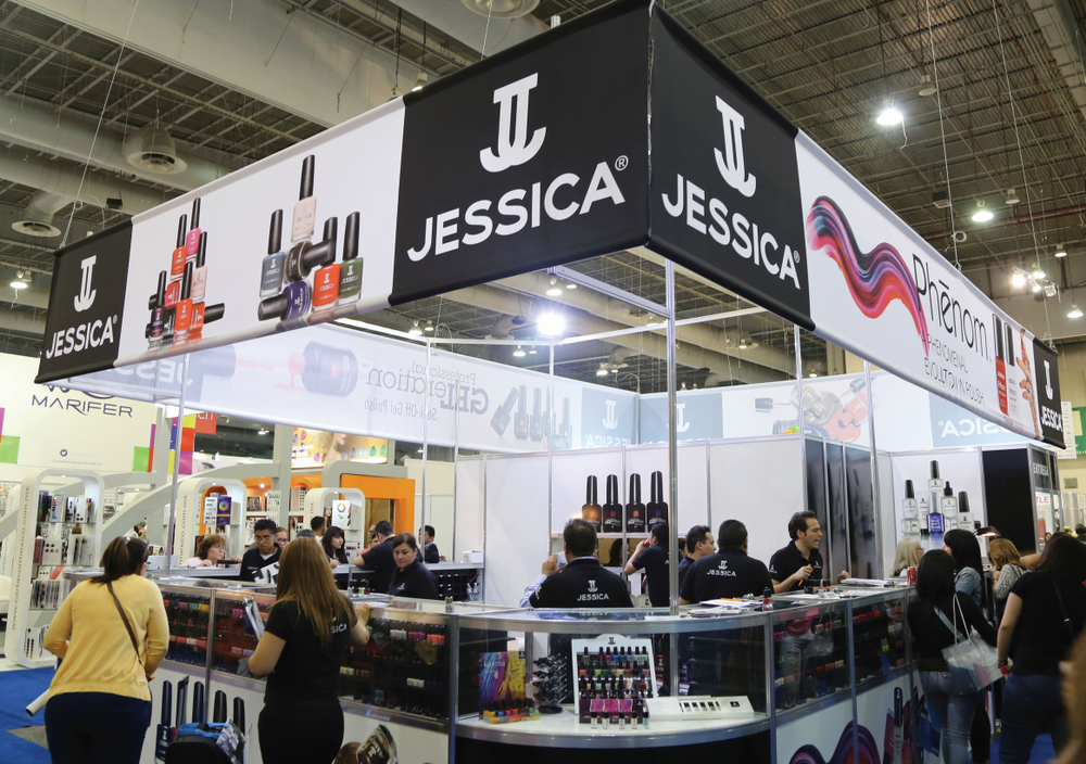 <p>EBS attracts nail manufacturers from around the globe, including those familiar to U.S. consumers, such as Jessica Cosmetics. In 2013, Jessica Vartoughian, CEO and founder of Jessica Cosmetics International, was honored by <em>Glamour Magazine Mexico</em> at its 15th Anniversary Gala. Photo by Expo Beauty Show</p>