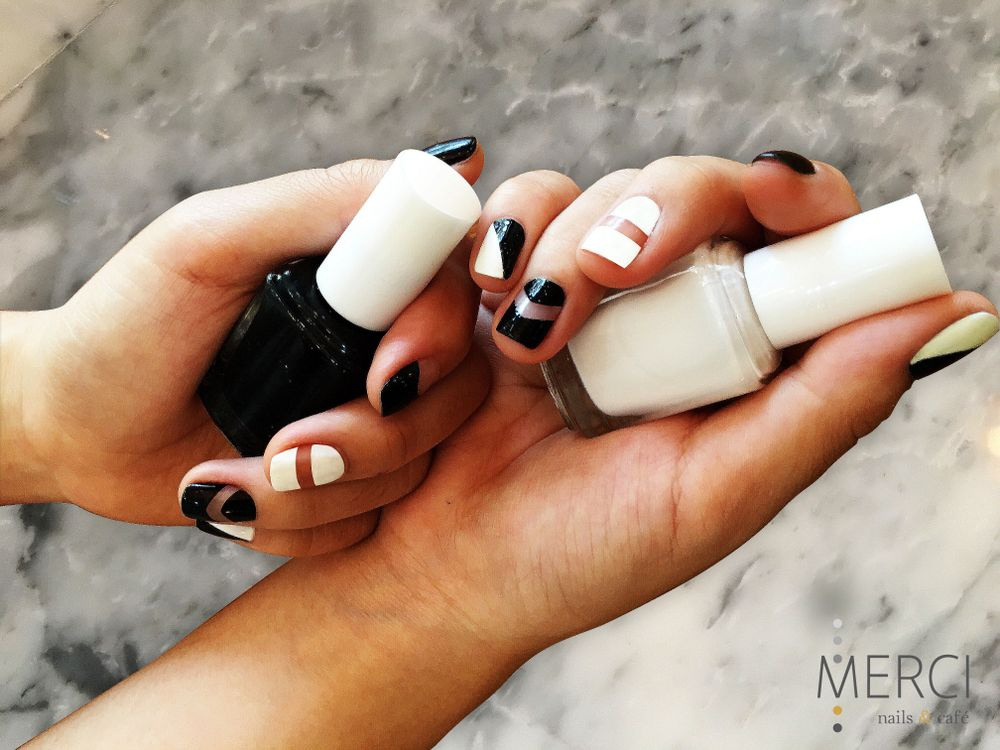 <p>Traditional nail polish is the most popular medium in Vietnam. (Nail art by Merci Nails &amp; Cafe)</p>