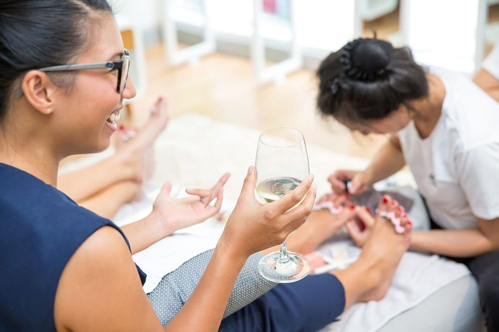 <p>Merci Nails offers both hand and foot services.</p>