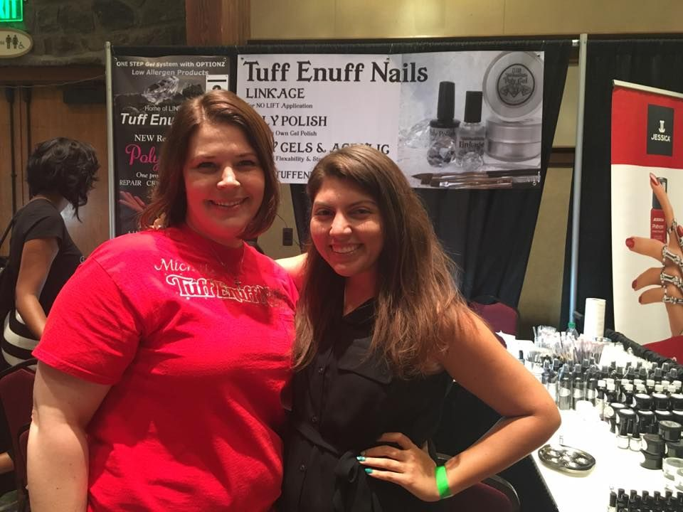 <p>Manic Talons gel blogger turned nail tech Michelle Cole (left) with NAILS editor Beth Livesay.</p>