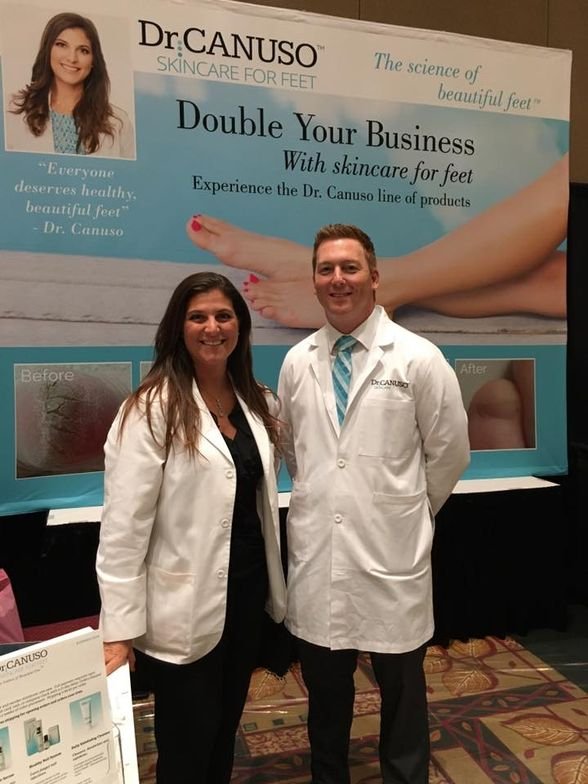 <p>Dr. Dana Canuso and Todd George helped diagnose foot problems and offered solutions on the show floor.</p>