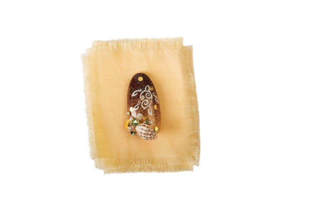 "<p>Chris Mans, <br />Jeweled Nails, Lake Forest, Calif.<br /><a href=""https://instagram.com/jewelednails"">@jewelednails </a></p>"