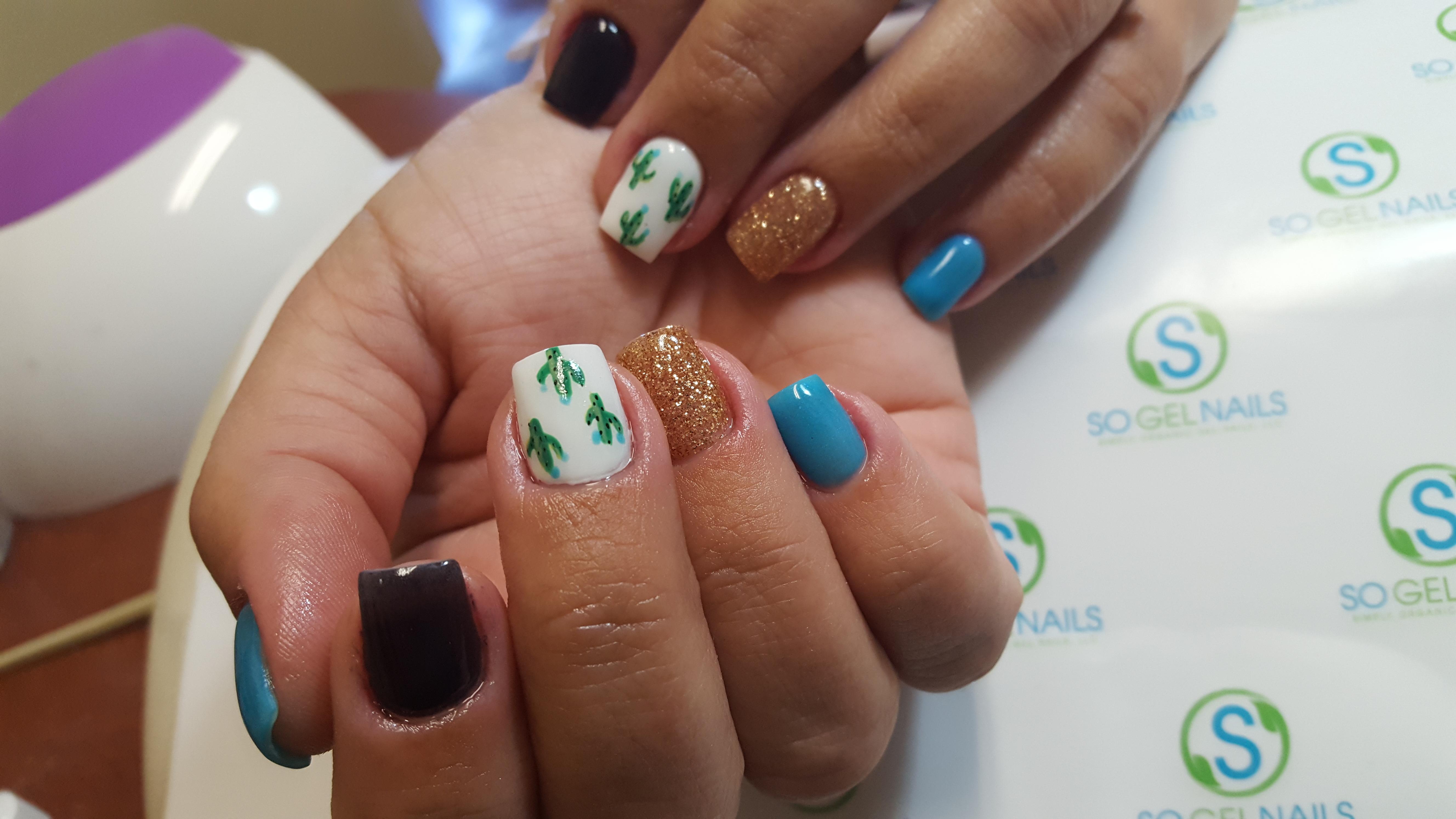 Day 113: Little Cactus Nail Art