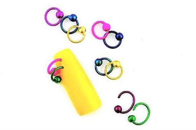 <p><strong>2005 Favorite Nail Jewelry: Snails Italian Nail Jewelry</strong></p> <p>2nd: Lava Int'l. Jewelry Decals, 3rd: Nubar Toe Twinx, 4th: Dina's Nail Art Nail Jewelry, 5th: Cina Nail Jewelry</p>