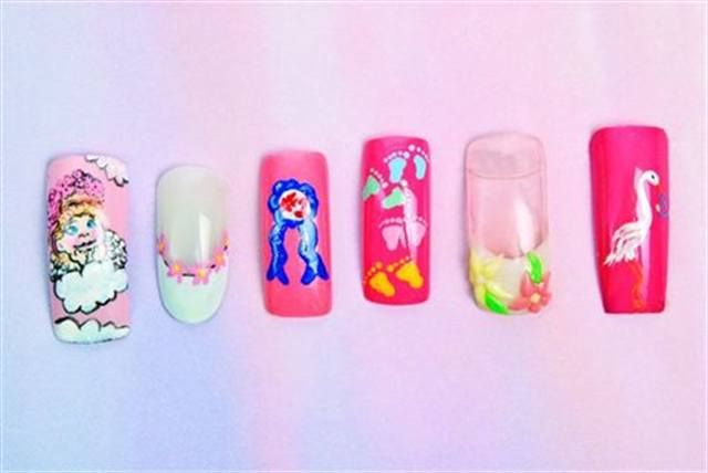 <p></p> <p>The Stay-at-Home Mom:</p> <p>When she's not out running errands, she's busy running the household and spending time with her family.</p> <p>Nails by Bence, Kandalec, Chomanczuk, Chomanczuk, Kandalec, Bence</p>