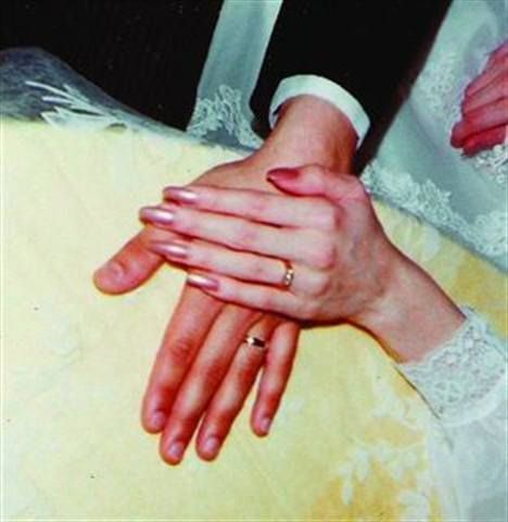 <p>Bride: Wendy C. Updegrave, First Class Nails, East Lyme, Conn.</p>