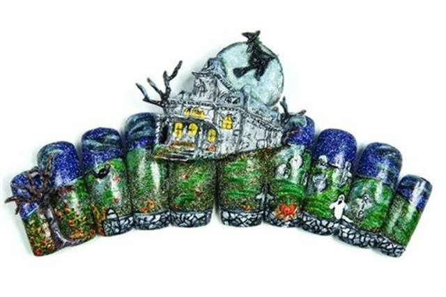 """<p>2008 3RD PLACE:Melissa Wills of Middletown, N.Y., used a combination of 3D acrylic and paint to create her """"Haunted House."""" </p>"""
