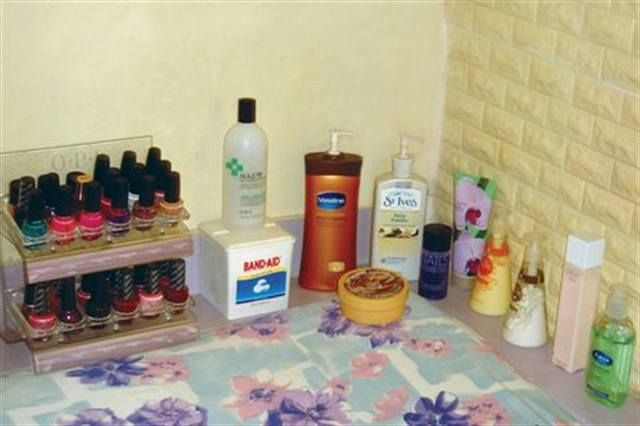 <p>Our organization is very simple. We have a nail polish stand, while creams, lotions, etc., are displayed along the shelf for convenient use! Other products and equipment are packed and stored neatly in cloth bags for us to carry with us for house visits when we need to.</p>